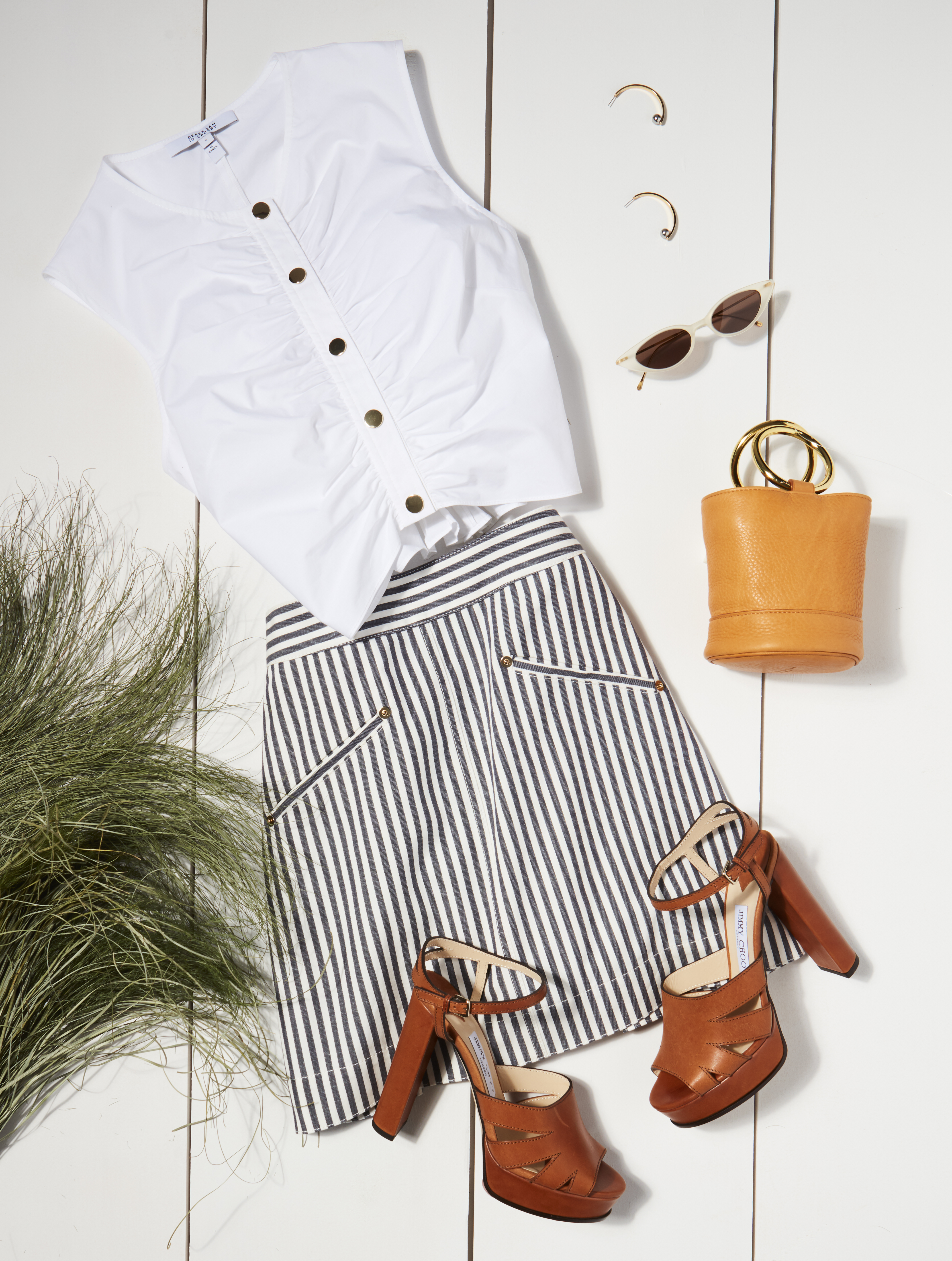 2ead319fc86 With a crisp silhouette and feminine details, the Ruched Crop Top is equal  parts polish and fun, making it a go-to you'll practically worship for its  ...