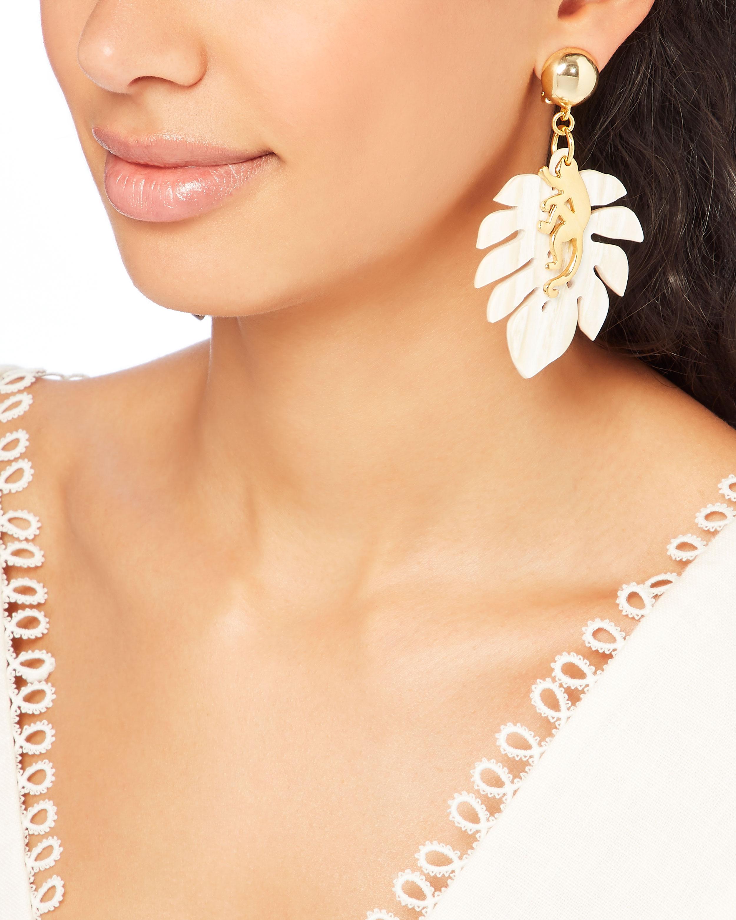 Oscar De La Renta Jungle Horn clip-on earrings 0SUr6rL